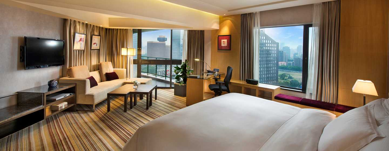 Hilton Beijing, China– Junior Suite mit King-Size-Bett