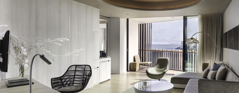 Hilton Pattaya Hotel, Thailand– Wohnzimmer der Suite mit Meerblick