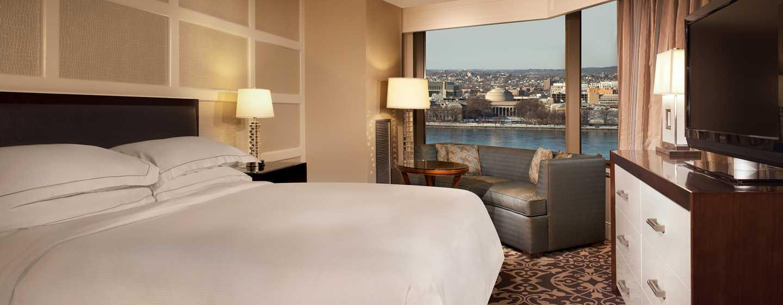 Hilton Boston Back Bay Hotel, USA– Superior Zimmer mit einem King-Size-Bett und Panoramablick
