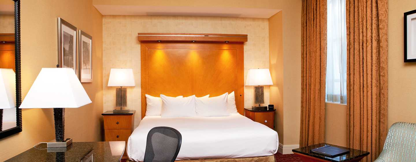 Hilton Boston Downtown/Faneuil Hall Hotel, USA– Deluxe Zimmer mit King-Size-Bett