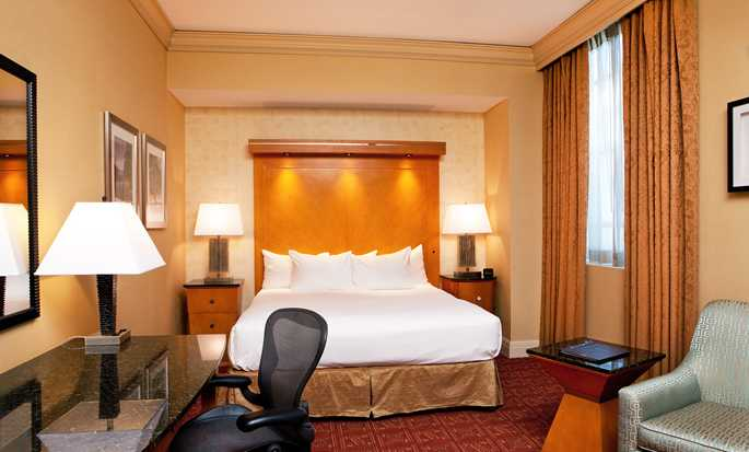 Hilton Boston Downtown/Faneuil Hall Hotel, USA – Deluxe Zimmer mit King-Size-Bett