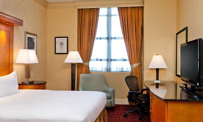 Hilton Boston Downtown/Faneuil Hall Hotel, USA – Standard Zimmer mit King-Size-Bett