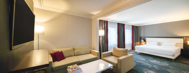 Hilton Brussels Grand Place Hotel, Belgien– Familienzimmer mit Kingsize-Bett