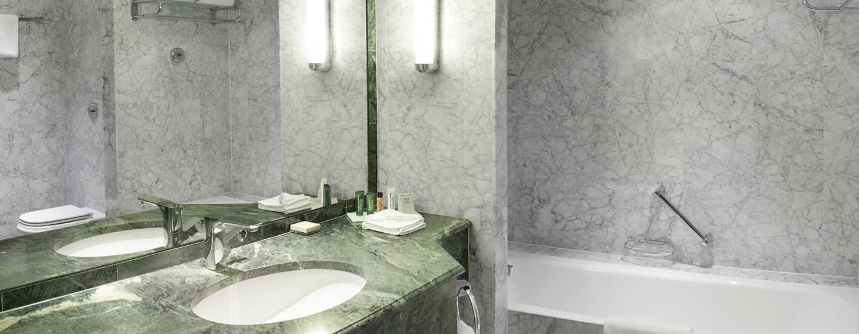 Hilton Brussels Grand Place Hotel– Gästebadezimmer