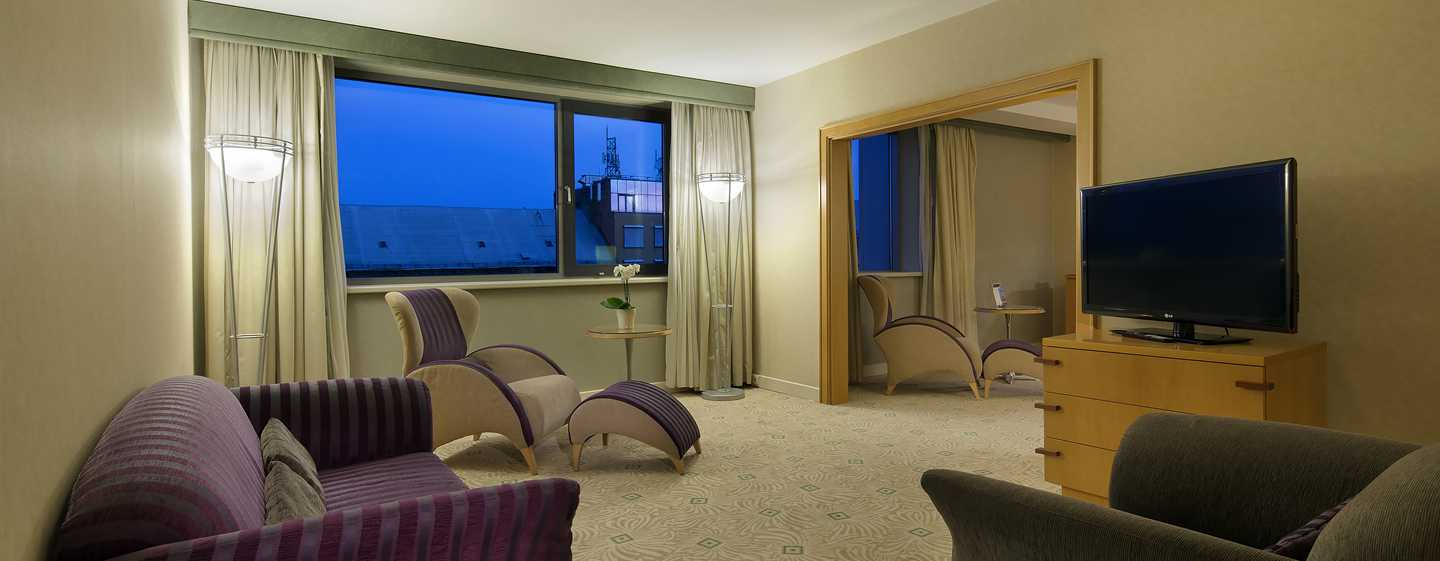 Hilton Budapest City Hotel, Ungarn – Executive Suite mit Kingsize-Bett