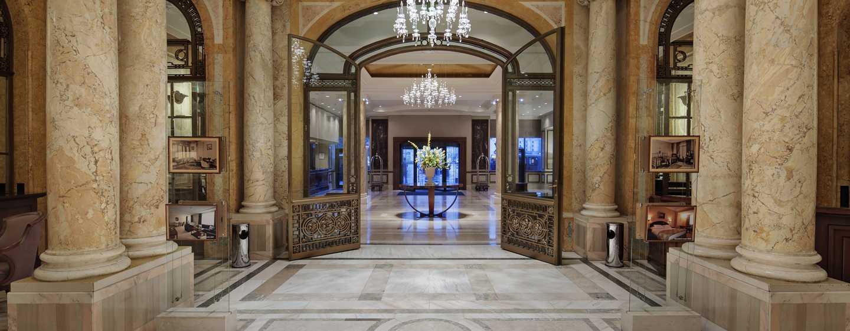 Hilton Athenee Palace Bucharest Hotel, Rumänien– Lobby: Les Colonnades
