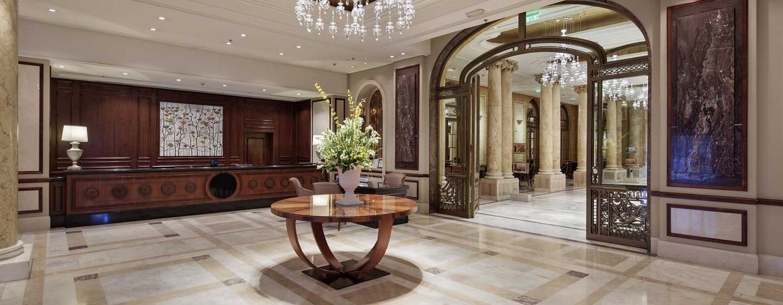 Athenee Palace Hilton Bucharest Hotel, Rumänien– Hotellobby und Empfangsschalter