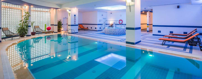 Athenee Palace Hilton Bucharest Hotel, Rumänien– Fitnesscenter– Innenpool