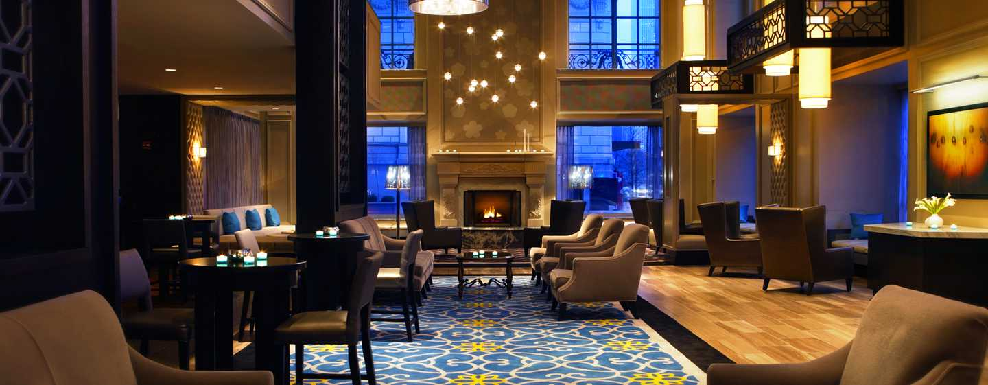 Hilton Chicago, Illinois – Lobby
