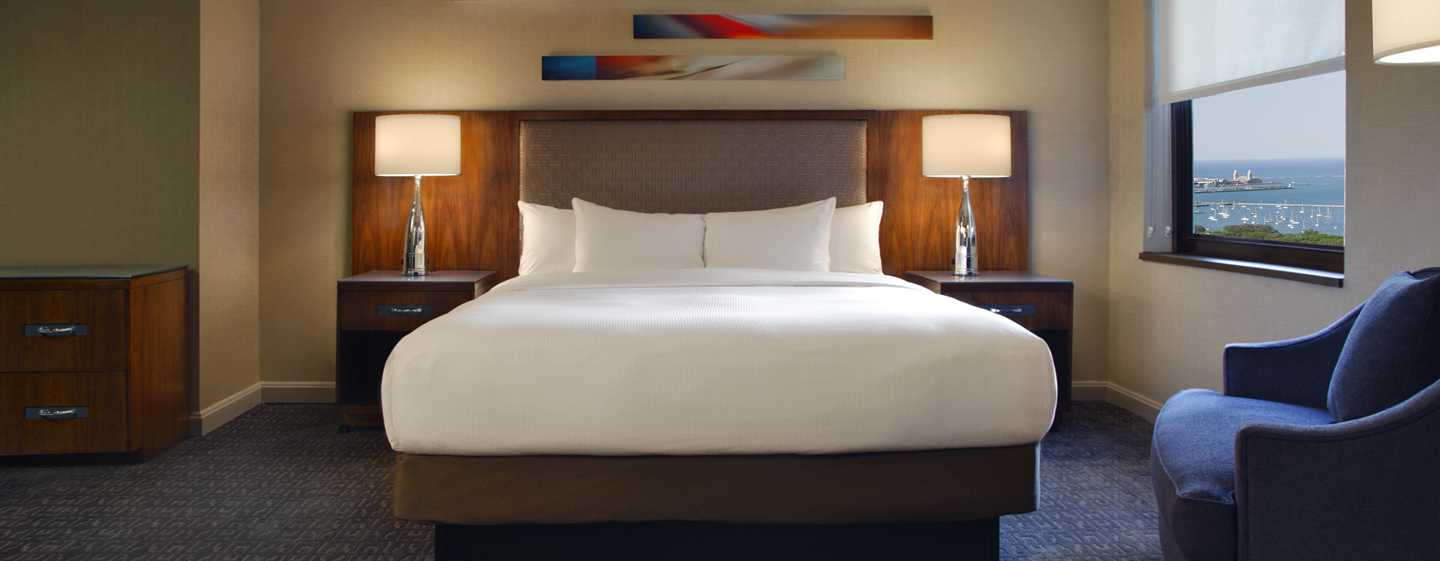 Hilton Chicago, Illinois – Zimmer mit King-Size-Bett