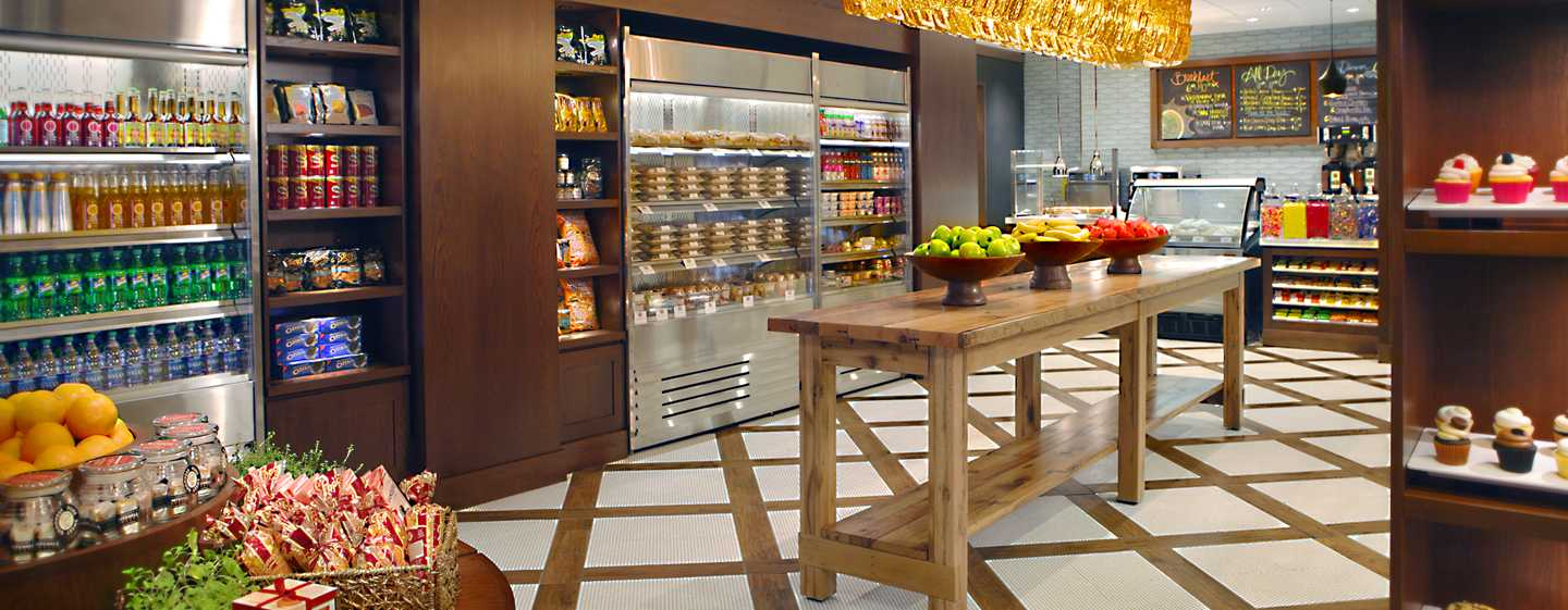 Hilton Chicago, Illinois – Grab & Go Cafe