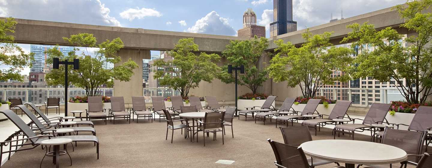 Hilton Chicago, Illinois – Poolterrasse