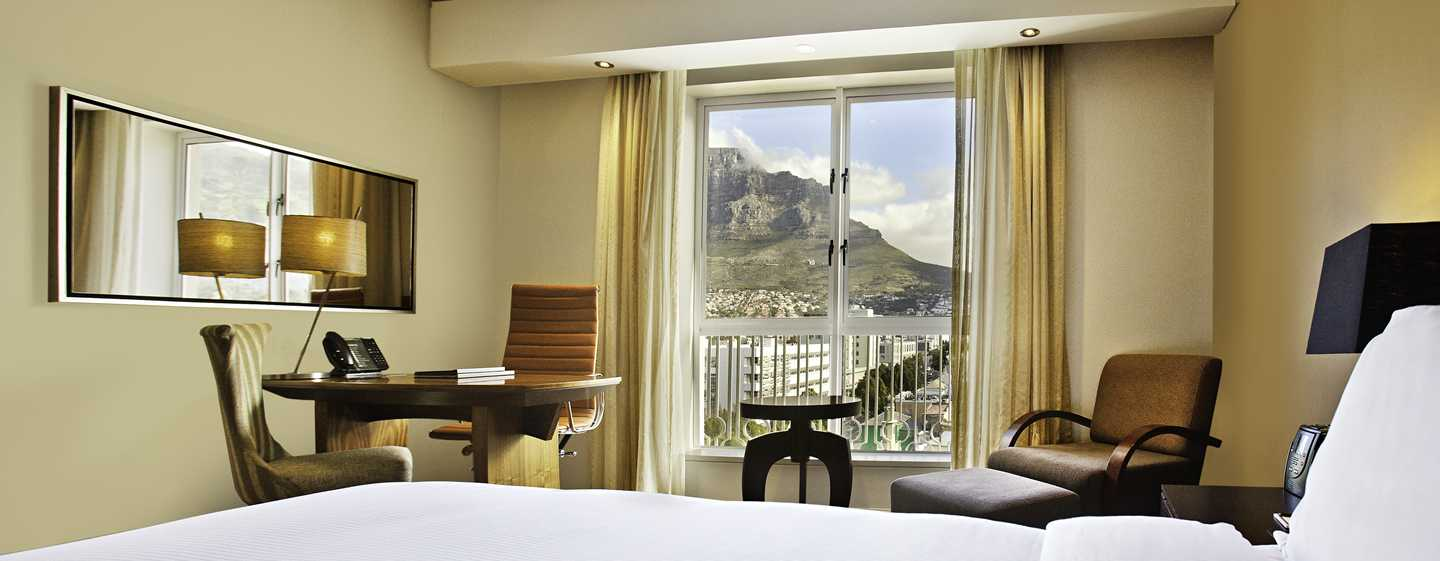 Hilton Cape Town City Centre – Zimmer mit King-Size-Bett
