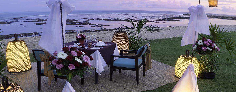 Hilton Bali Resort, Indonesien– Romantisches Abendessen am Serenity Beach