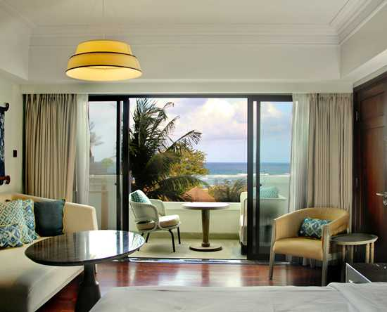 Hilton Bali Resort, Indonesien – Zimmer im Cliff Tower mit Poolblick