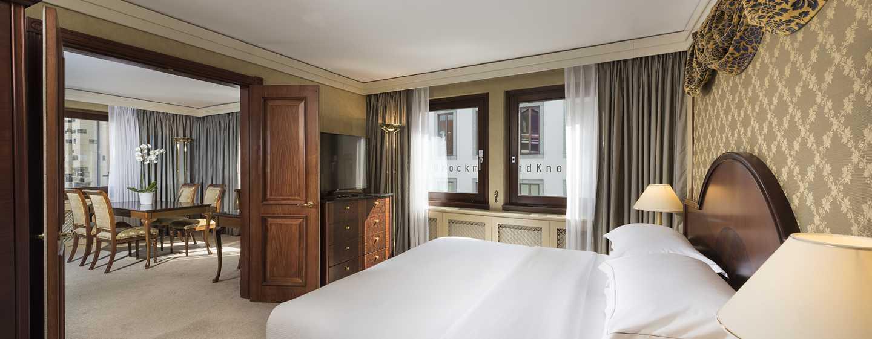 Hilton Dresden Hotel – King Corner Suite Schlafzimmer