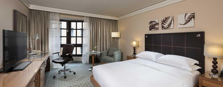 Hilton Dresden Hotel – Queen Hilton Guestroom