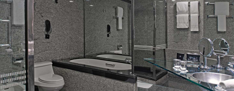 Hilton Dubai Creek Hotel, VAE– Badezimmer der Deluxe Suite