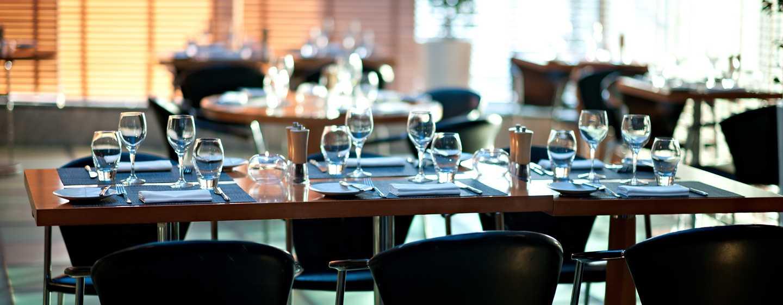 Hilton Dubai Creek Hotel, VAE– Glasshouse Brasserie