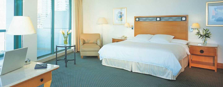 Hilton Dubai Jumeirah Hotel, Dubai, VAE– Alcove Eck-Suite mit Kingsize-Bett