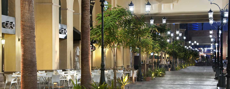 Hilton Dubai Jumeirah Hotel, Dubai, VAE– The Walk