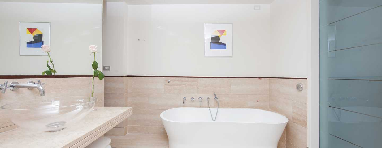 Hilton Florence Metropole Hotel, Italien– Badezimmer der Suite