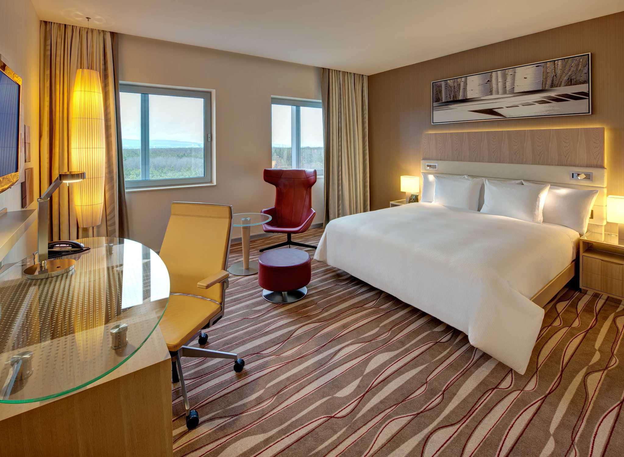 hilton frankfurt airport flughafenhotels in frankfurt. Black Bedroom Furniture Sets. Home Design Ideas
