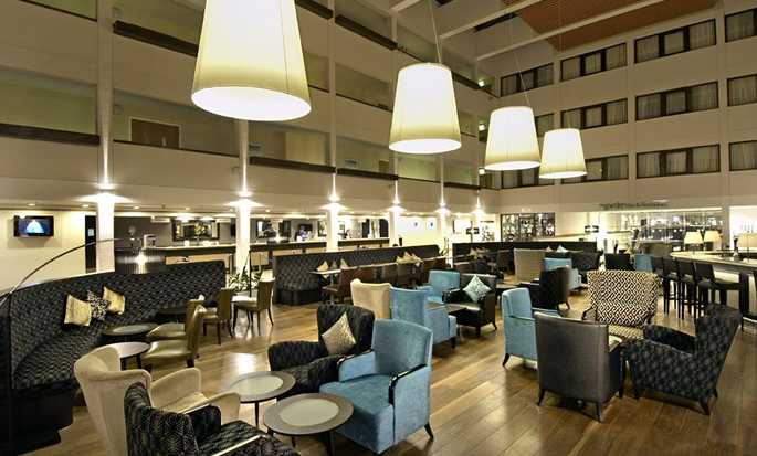 Hilton London Gatwick Airport, Großbritannien - Lobby-Bar