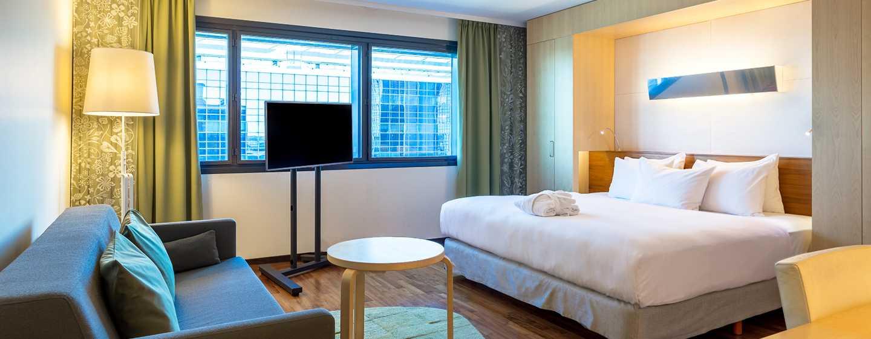 Hilton Helsinki Airport, Finnland– Plus Zimmer mit Kingsize-Bett
