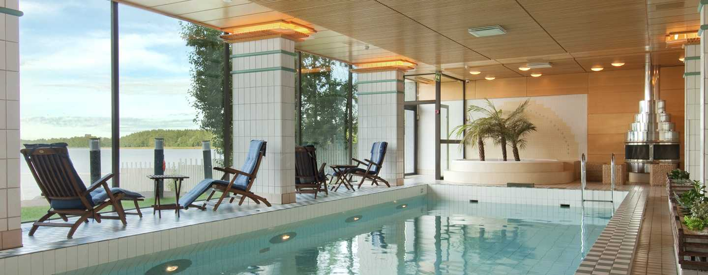 Hilton Helsinki Kalastajatorppa Hotel, Finnland– Innenpool und Saunen