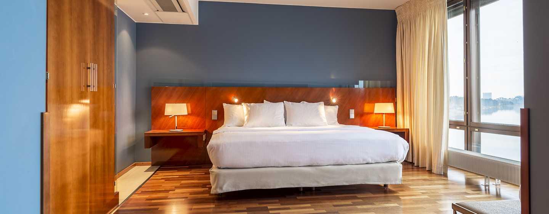 Hilton Helsinki Kalastajatorppa Hotel, Finnland– Deluxe Suite mit Meerblick