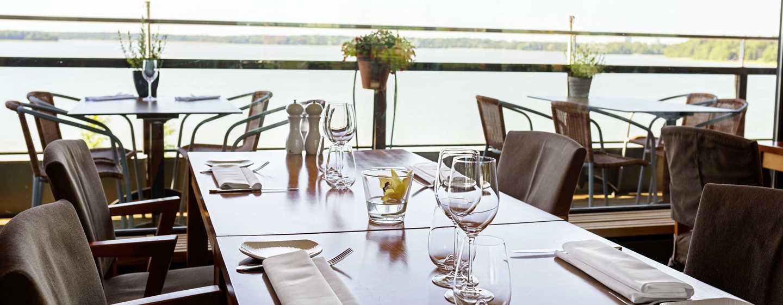 Hilton Helsinki Kalastajatorppa Hotel, Finnland– Restaurant Meritorppa mit Sommerterrasse