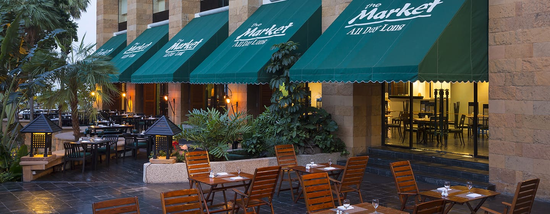 Hilton Hua Hin Resort & Spa Hotel, Thailand – The Market – ganztägig geöffnetes Restaurant