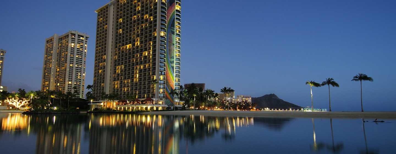 Hilton Hawaiian Village Waikiki Beach Resort Hotel, Honolulu, Hawaii, USA–Kalia Tower