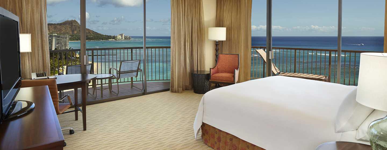 Hilton Hawaiian Village Waikiki Beach Resort Hotel, Hawaii, USA–Eckzimmer mit King-Size-Bett direkt am Meer