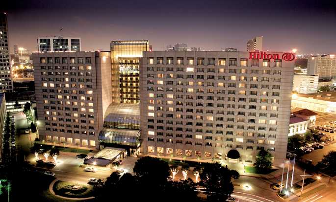 Hilton Houston Post Oak Hotel - Aussenansicht