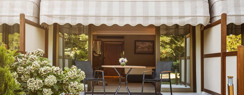 Hilton Istanbul Bosphorus, Türkei– Familienzimmer mit Garten und Terrasse
