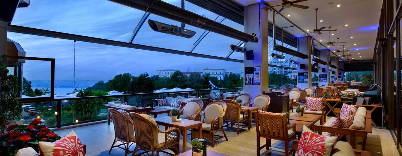 Hilton Istanbul Bosphorus Hotel, Türkei– Veranda Bar und Terrasse