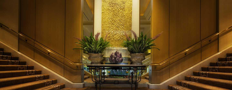 Hilton Los Angeles Airport Hotel, Kalifornien – Lobby-Treppe