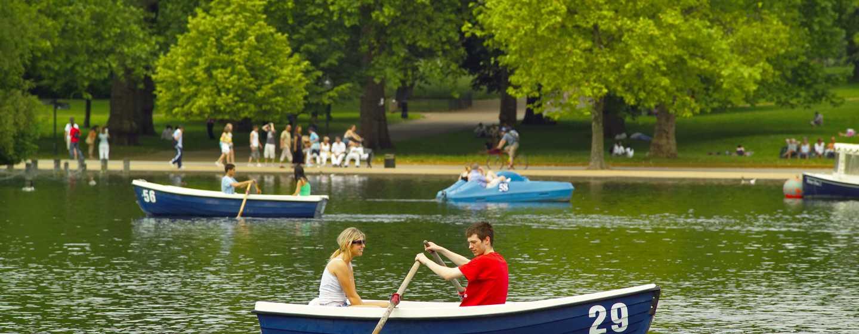 Hilton London Hyde Park, Großbritannien - Bootsfahrten auf der Serpentine im Hyde Park