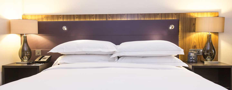 Hilton London Wembley, Großbritannien - Hilton Executive Zimmer mit King-Size-Bett