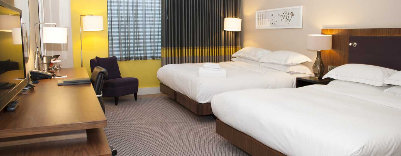 Hilton London Wembley, Großbritannien - Familienzimmer mit King-Size-Bett