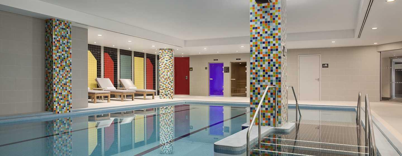 Hilton London Wembley, Großbritannien - Beheizter Innenpool