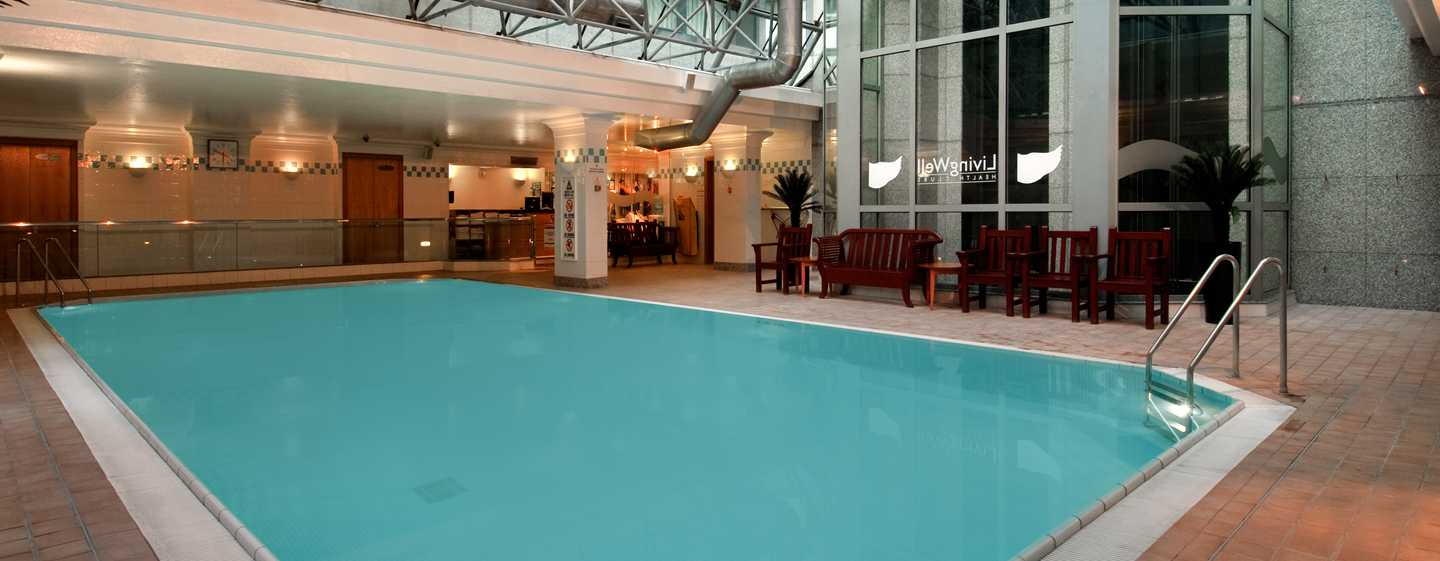 London Hotel Metropole Hilton – LivingWell Swimmingpool