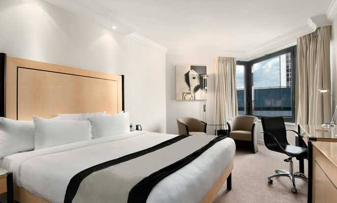 Hilton London Metropole Hotel – Executive Zimmer mit King-Size-Bett