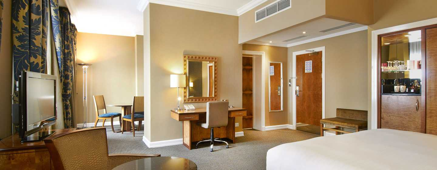 Hilton London Paddington, Großbritannien – Junior Suite mit King-Size-Bett