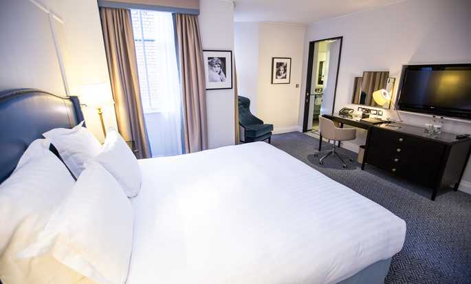 The Waldorf Hilton, London – Executive Design Suite