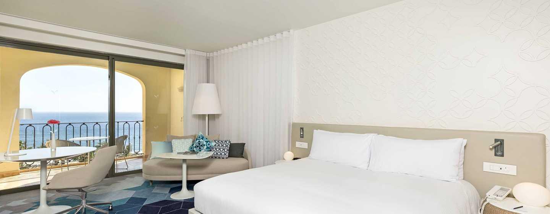 Hilton Malta Hotel, San Ġiljan, Malta – Executive Zimmer mit Meerblick