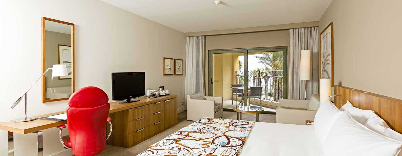 Hilton Malta Hotel, San Ġiljan, Malta – Deluxe Zimmer mit Gartenblick