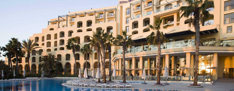 Hilton Malta Hotel, San Ġiljan, Malta – Poolblick
